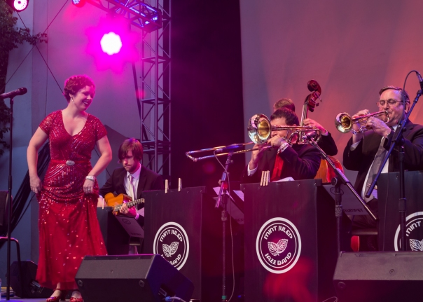 Midsummer Night Swing 2016 - Mint Julep Jazz Band